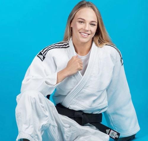 ダリア・ビロディドさんとはウクライナ出身の女子柔道家です。世界ランキング7位という実力もありながらネット上でものすごく話題となっているのはその美貌です。